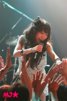 MJ☆(DEEP UNDERWATERのVo.)の音楽と女子力と!-1317770072-picsay.jpg